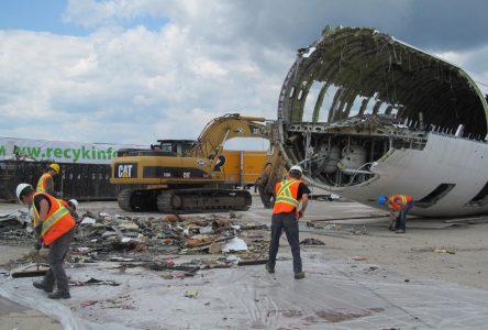 Aerocycle démantèle des avions en fin de vie