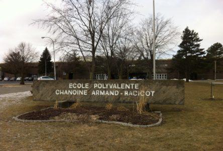 Exclusif: Armand-Racicot congédie une jeune enseignante pour inconduite
