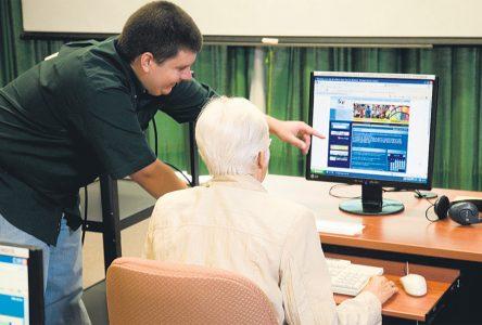 Des ateliers d'initiation à l'informatique offerts dans les bibliothèques municipales