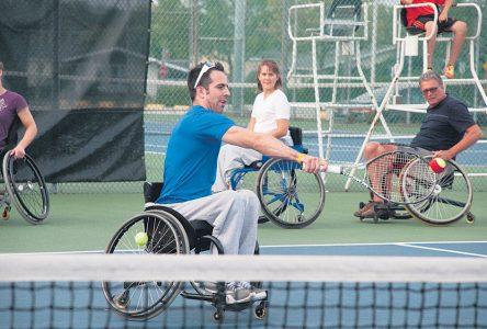 Du tennis en fauteuil roulant à Saint-Jean