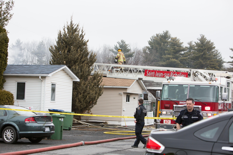 Une maison mobile est la proie des flammes