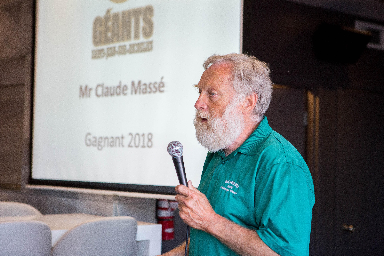 Claude Massé honoré par les Géants