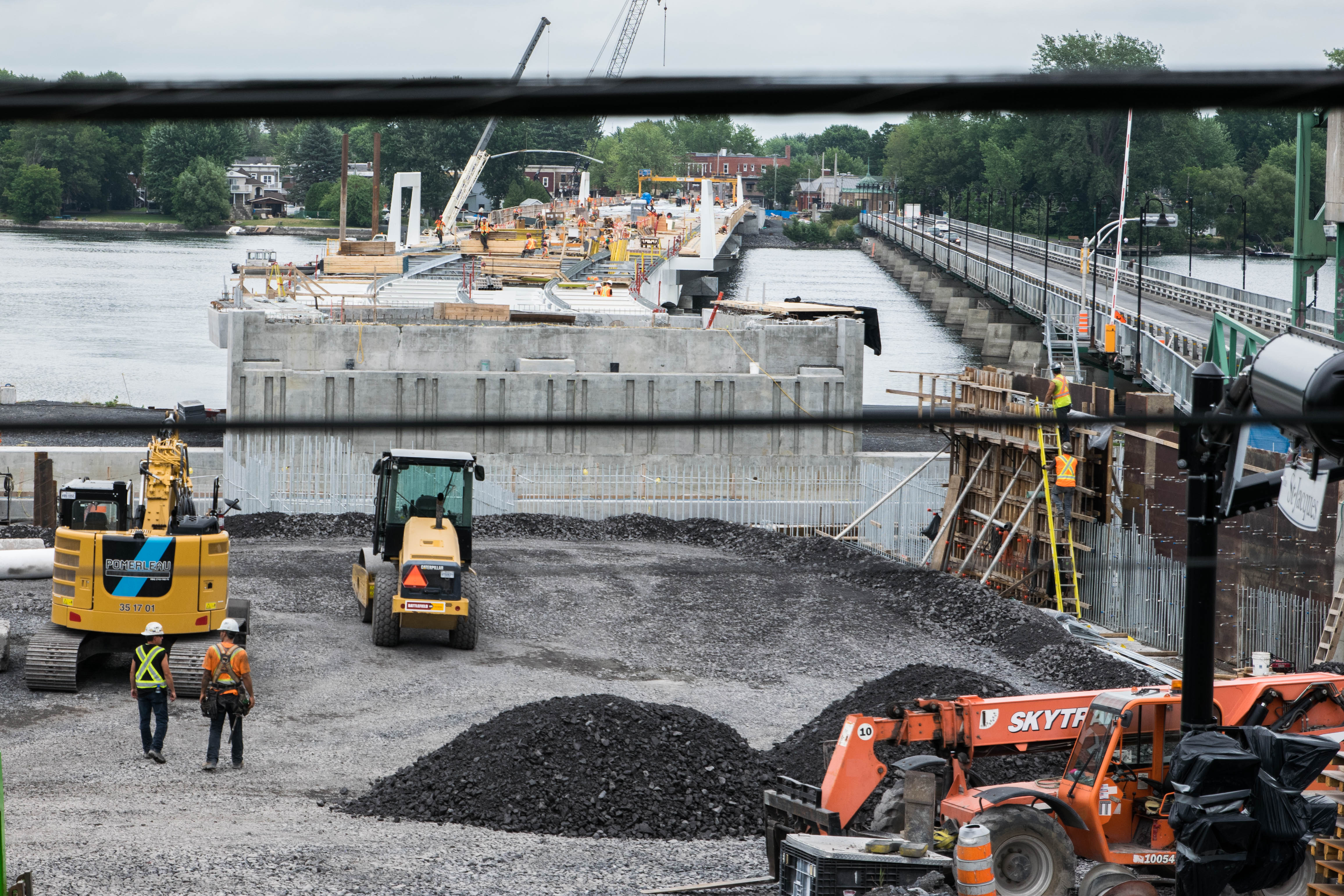 Pont Gouin: les travaux de remblayage prolongés jusqu'à demain matin