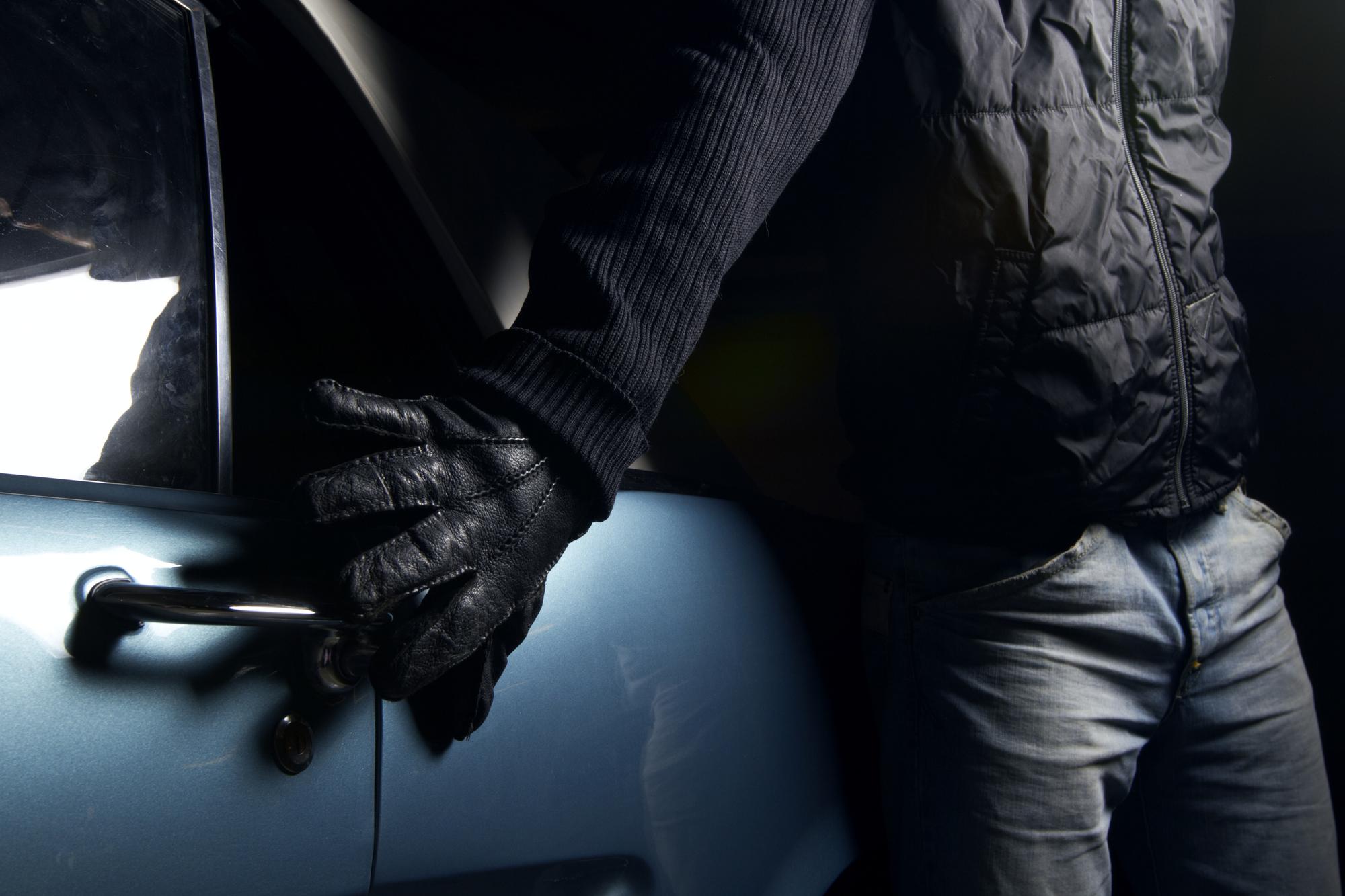 Vol dans les voitures: Deux individus arrêtés en flagrant délit