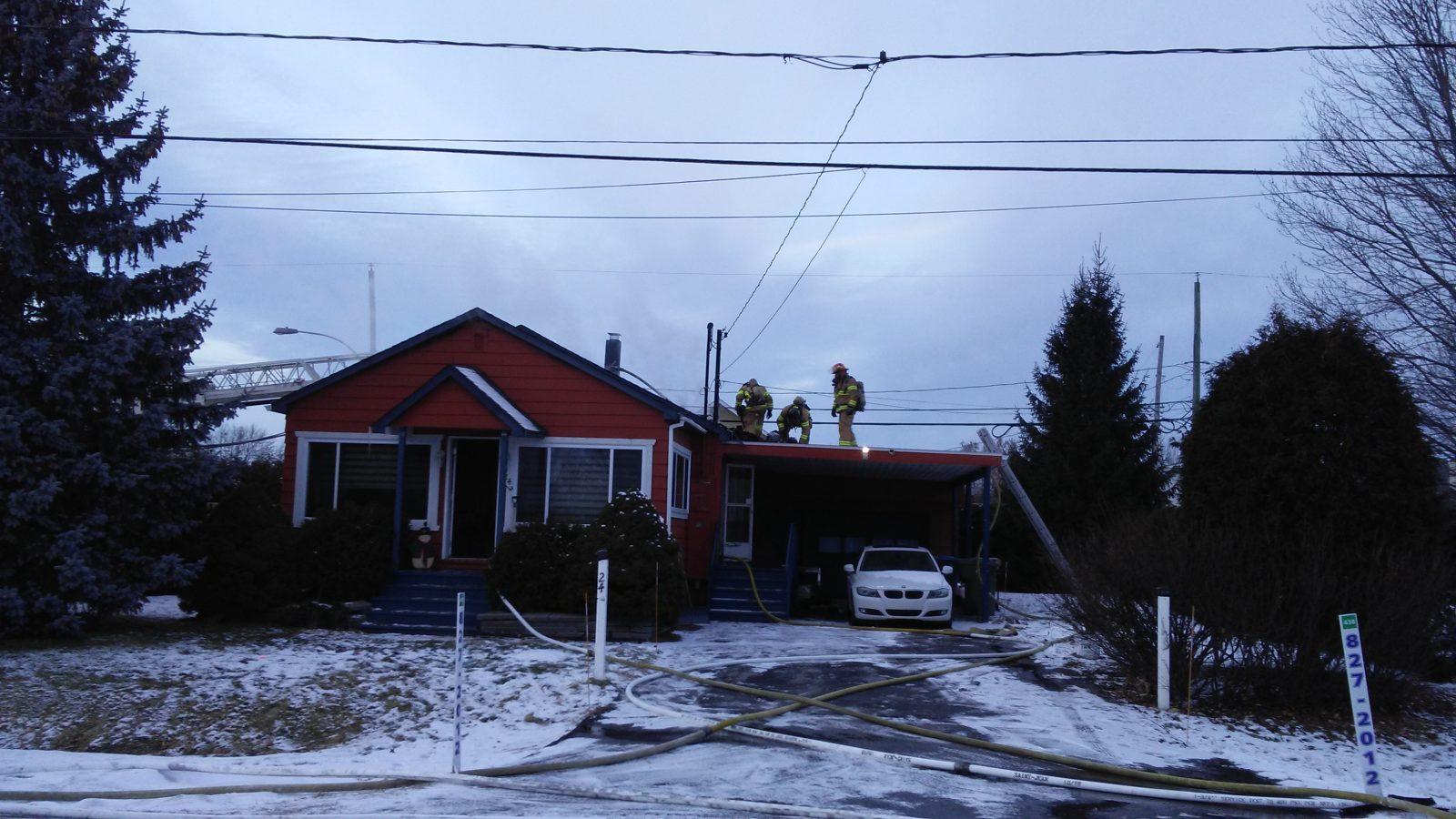 Une résidence endommagée par un incendie