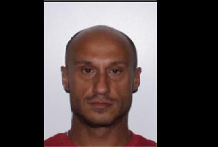 Arrestation d'un homme pour une série d'actions à caractère sexuel