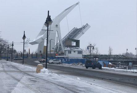 Douze jours pour inspecter le pont-levis du pont Gouin