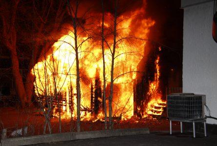 Trois incendies criminels cette nuit