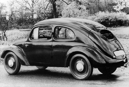 22 juin 1934 – Ferdinand Porsche signe un contrat pour construire la voiture du peuple