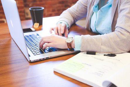Étapes clés de la première création de site Web pour les petites entreprises