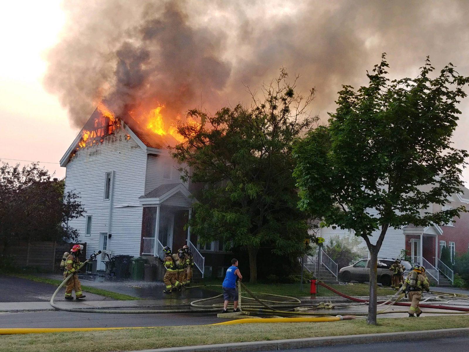 Un incendie jette deux familles à la rue à Saint-Luc