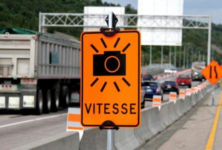 Un radar photo sur l'autoroute 10, face au chantier du REM