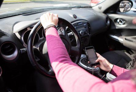 Autre offensive policière contre le cellulaire au volant