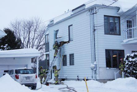 Deux incendies causent des dommages à des bâtiments