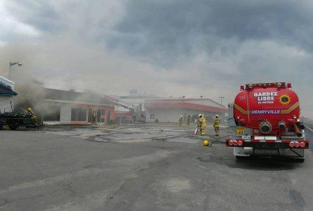 Un incendie éclate à Henryville