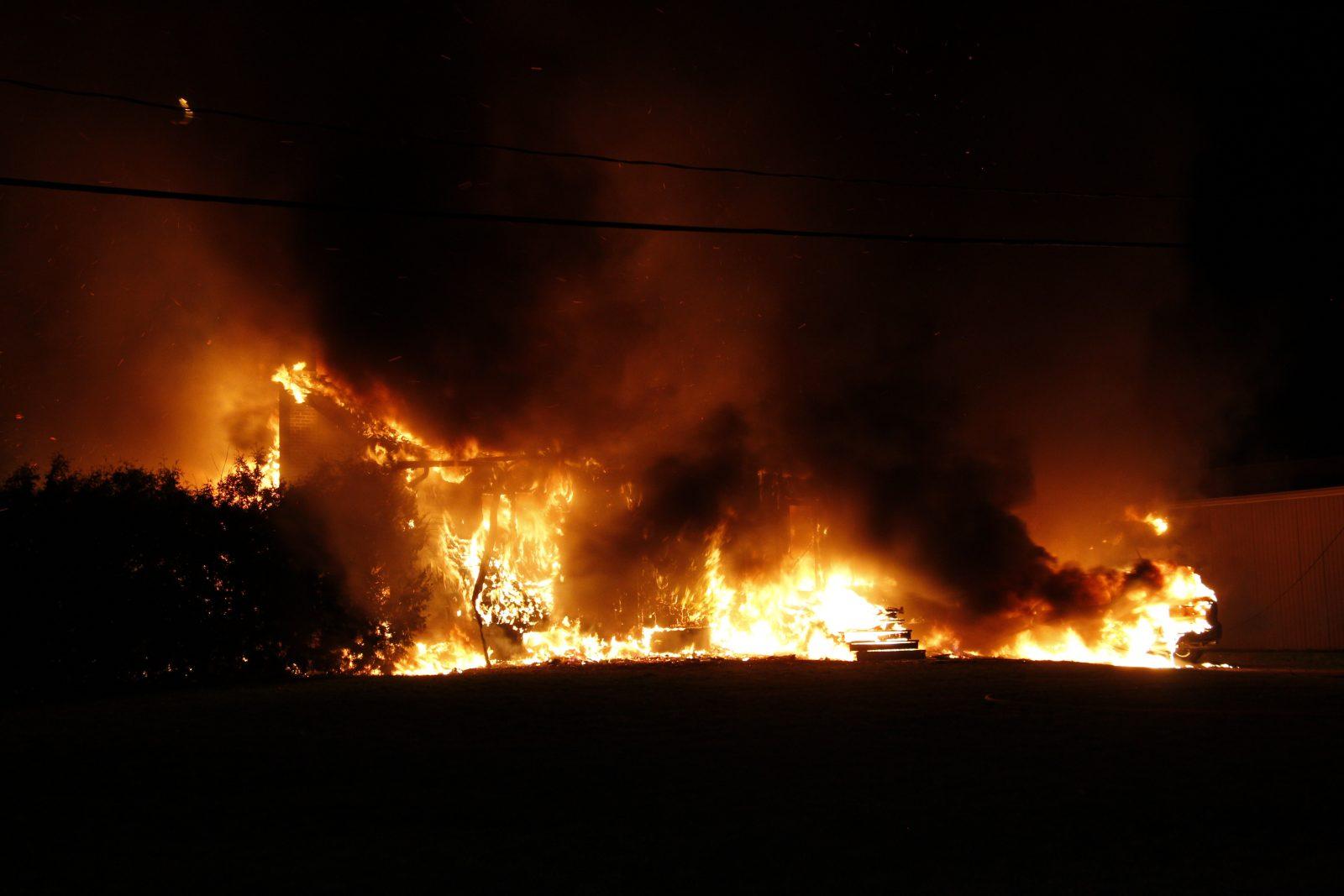 Une maison détruite par les flammes à Saint-Blaise