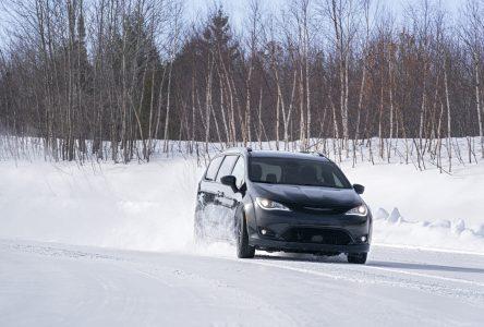Un Chrysler Pacifica 4 roues motrices cet automne