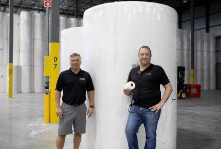 Une usine moderne de production de papier hygiénique
