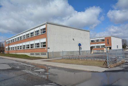 Éclosion de COVID-19 à l'école Dr-Alexis-Bouthillier