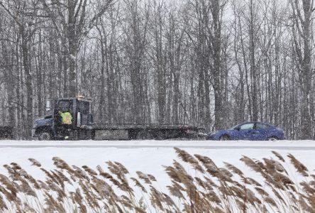 Appel à la prudence: chaussée glacée et visibilité réduite