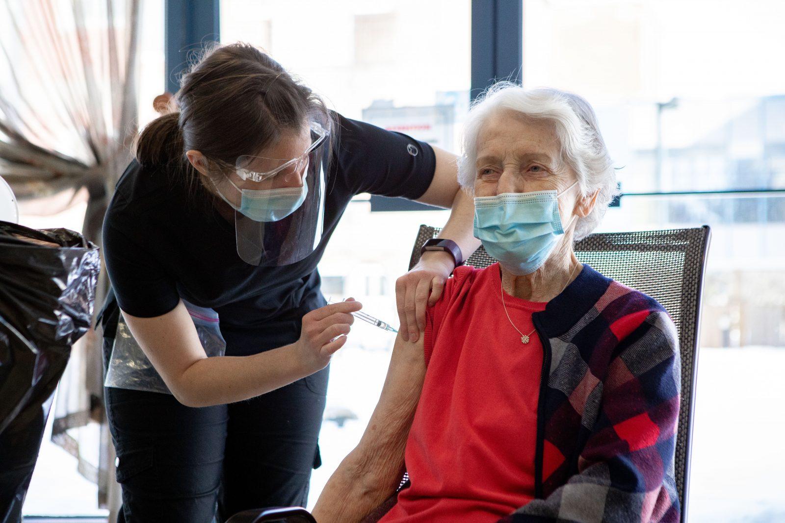La Résidence Chartwell Oasis reçoit enfin ses vaccins