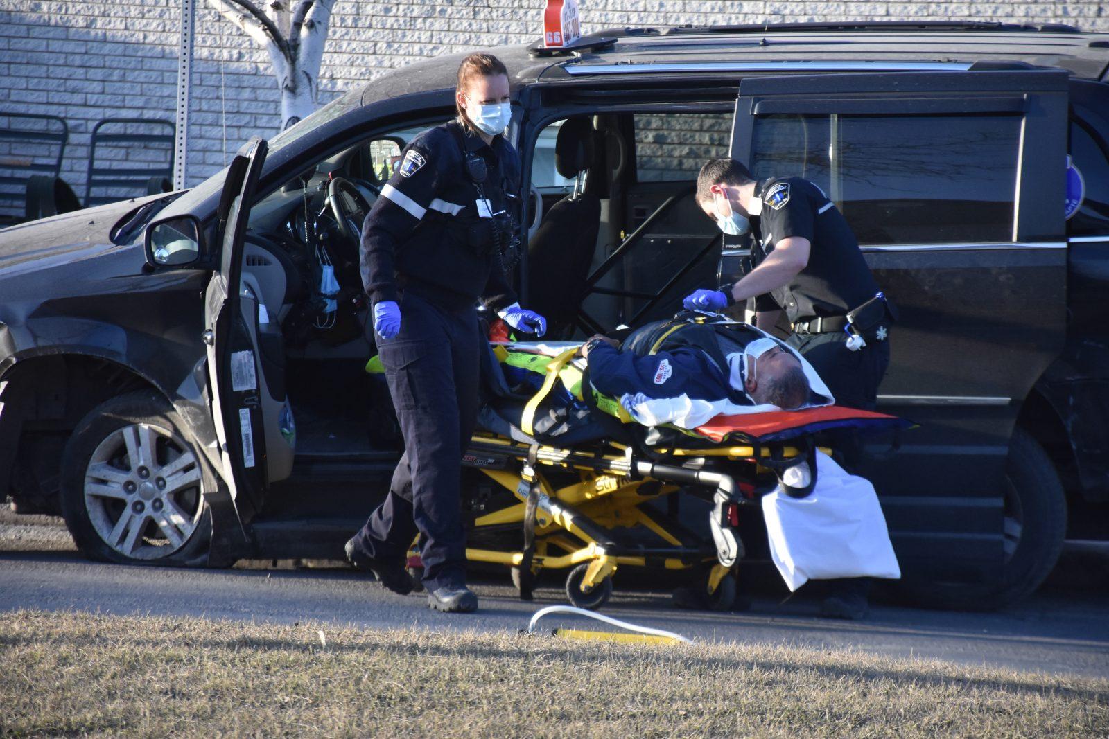 Un chauffeur de taxi blessé dans un accident