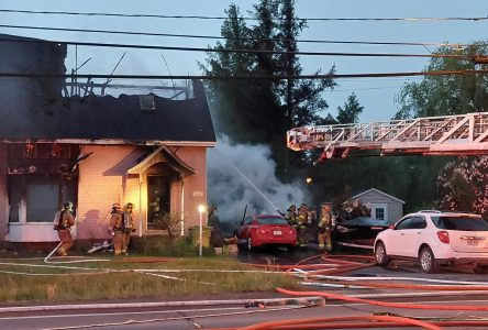 Une maison part en fumée sur la rue Bernier