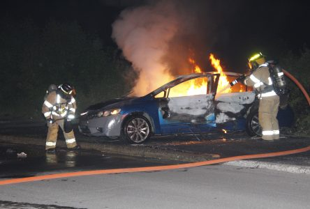 Incendie suspect d'une voiture