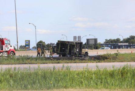 Une ambulance s'enflamme sur l'autoroute 35