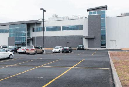 Olymel fermera son usine à Henryville