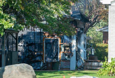 Un garage incendié à Saint-Luc